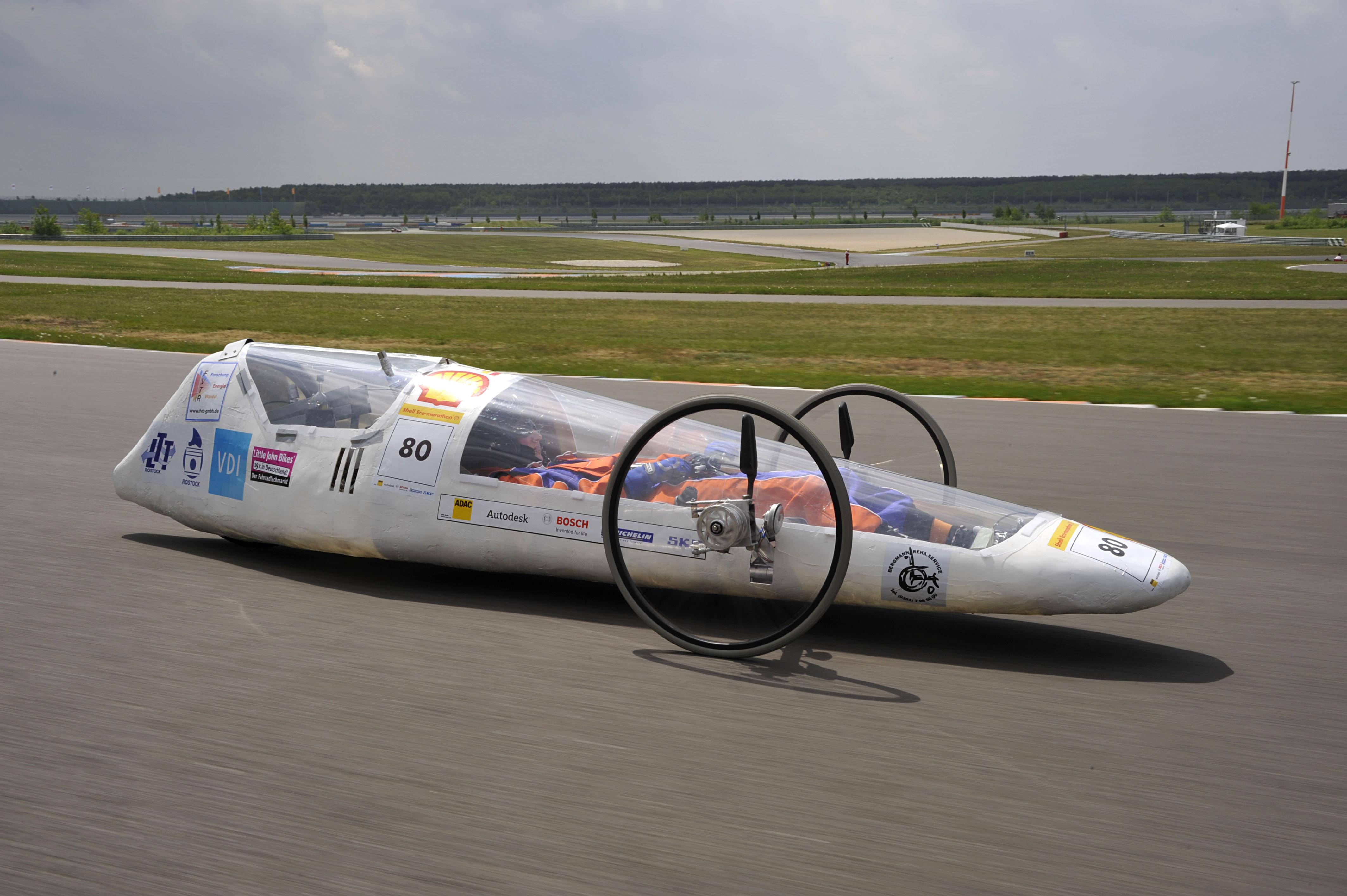 Das erste Fahrzeug 2009